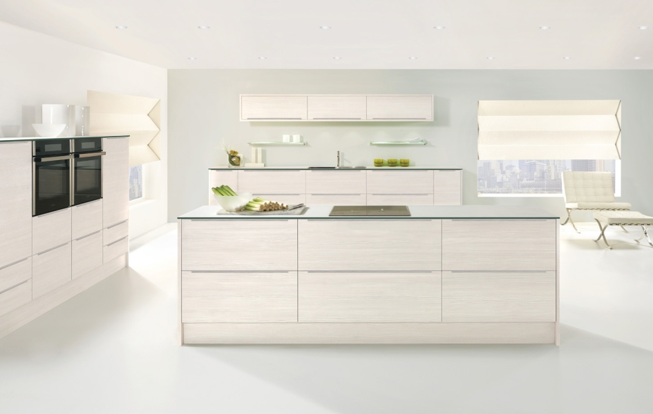 avola-white